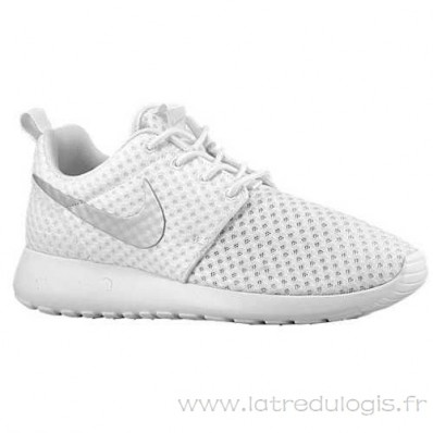chaussure blanche nike pas cher
