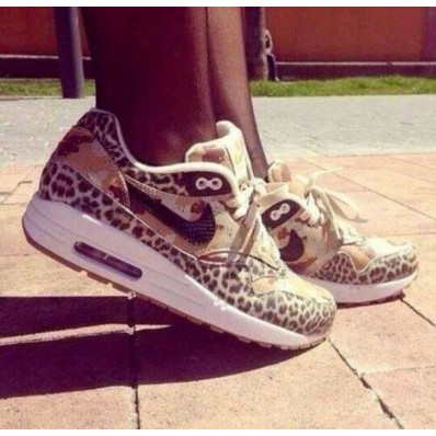 leopard nike check